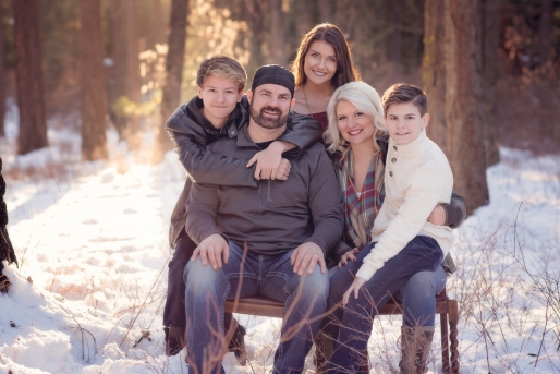 downing-family-photographed-by-mg-photography-in-coeur-d-alene-idaho